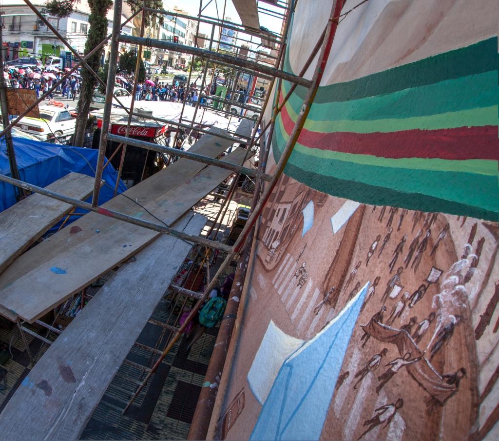 movilización en la calle en y fuera del mural